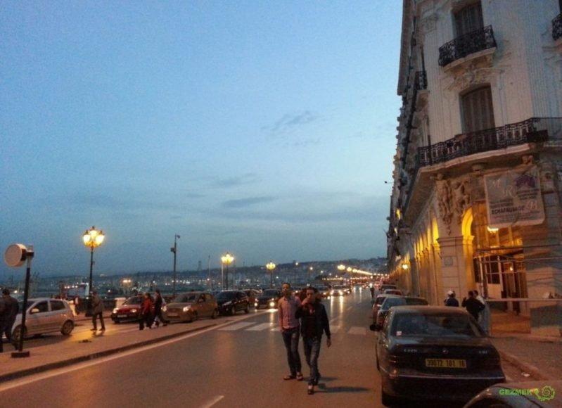 Casbah Bölgesinde Gece, Cezayir Gezilecek Yerler