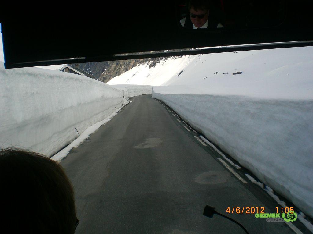 Geiranger Fiyordu, karlı yollar
