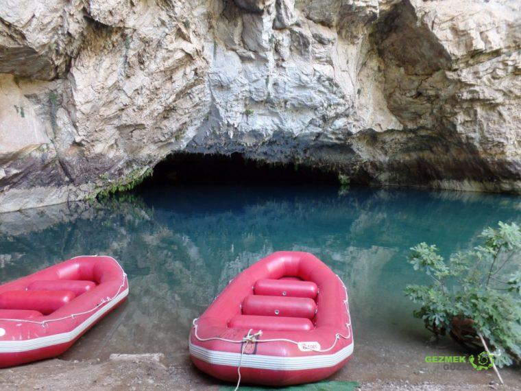 Altınbeşik Mağarası Girişi, Manavgat Gezilecek Yerler