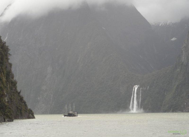 Yeni Zelanda Fiyortları, Milford Sound