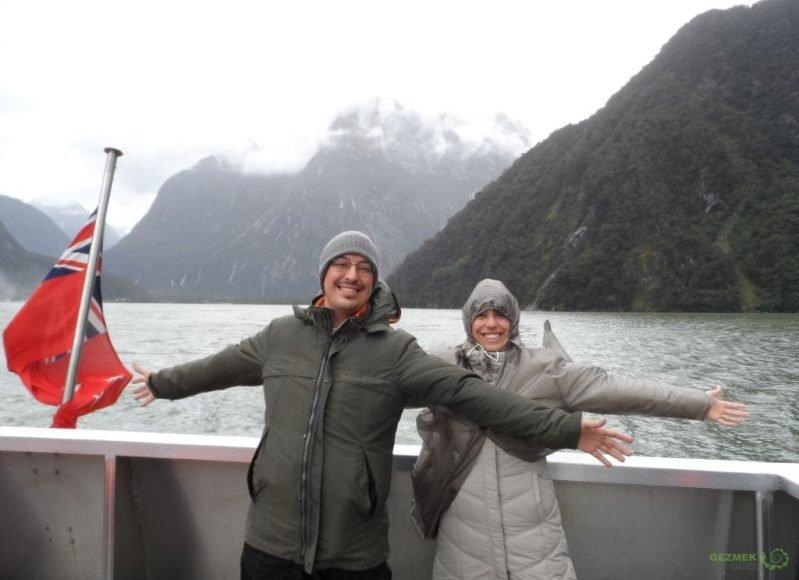 Yeni Zelanda Fiyortları, Mutluluk