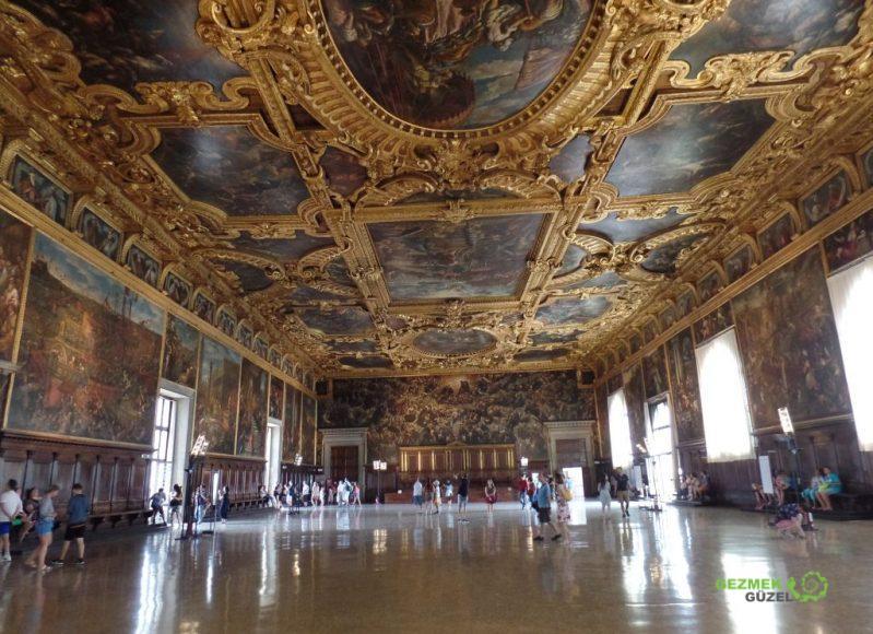 Dükler Sarayı Büyük Salon, Venedik Gezilecek Yerler