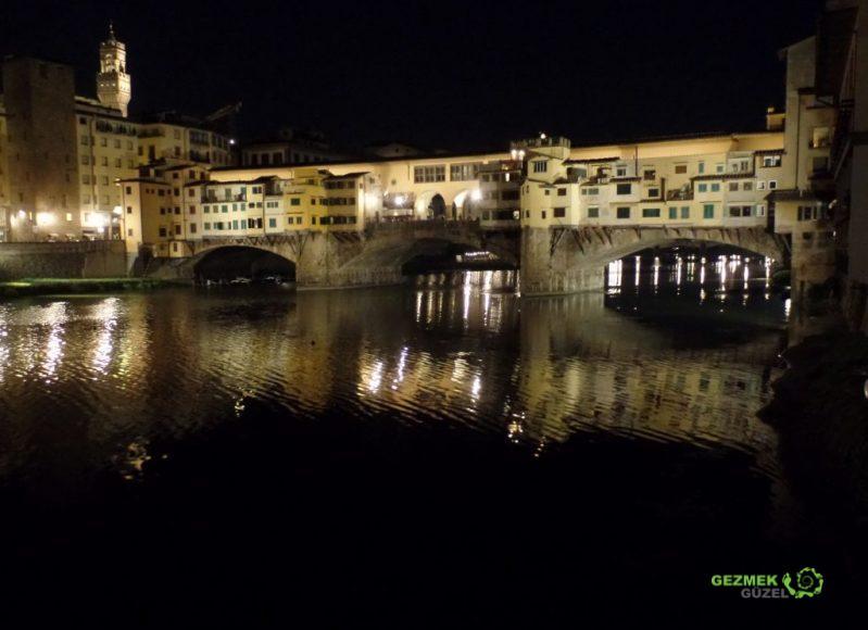 Ponte Vecchio Gece, Floransa Gezilecek Yerler