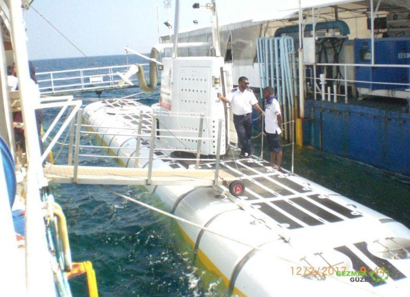 Resiflere Denizaltı, Maldivler Turu