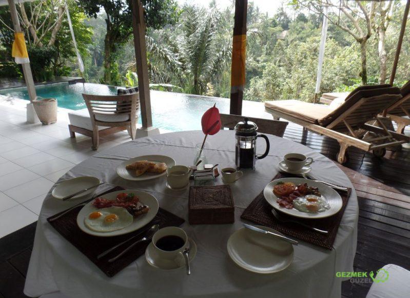 Havuzbaşı Kahvaltısı, Villa Shamballa Bali, Bali'de Balayı