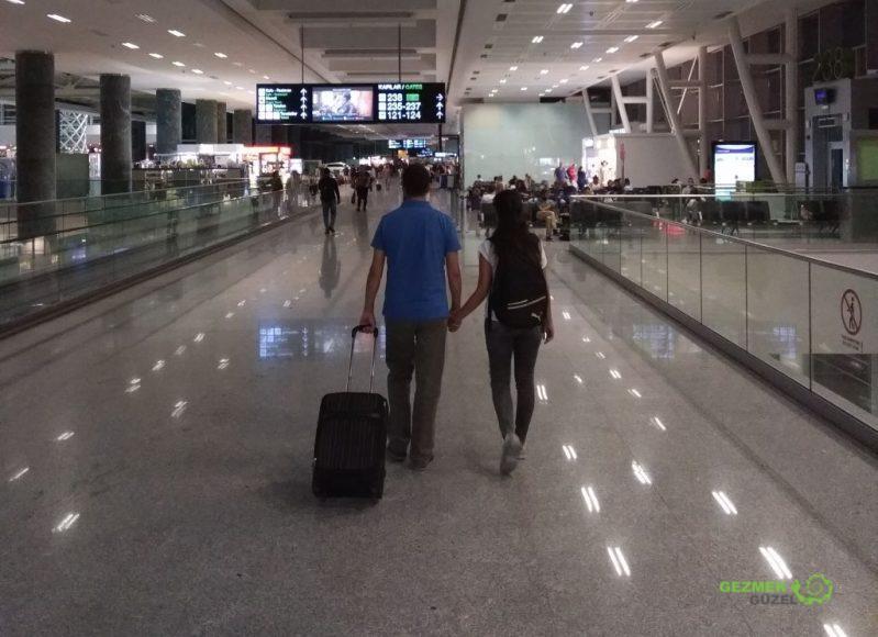 Kabin Valizimiz ve Biz, Uçak Yolculuklarında Başımıza Gelen Sıra Dışı Olaylar ve Yolcu Hakları