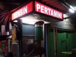 Markette Benzin Satışı, Endonezya Gezisi Notları