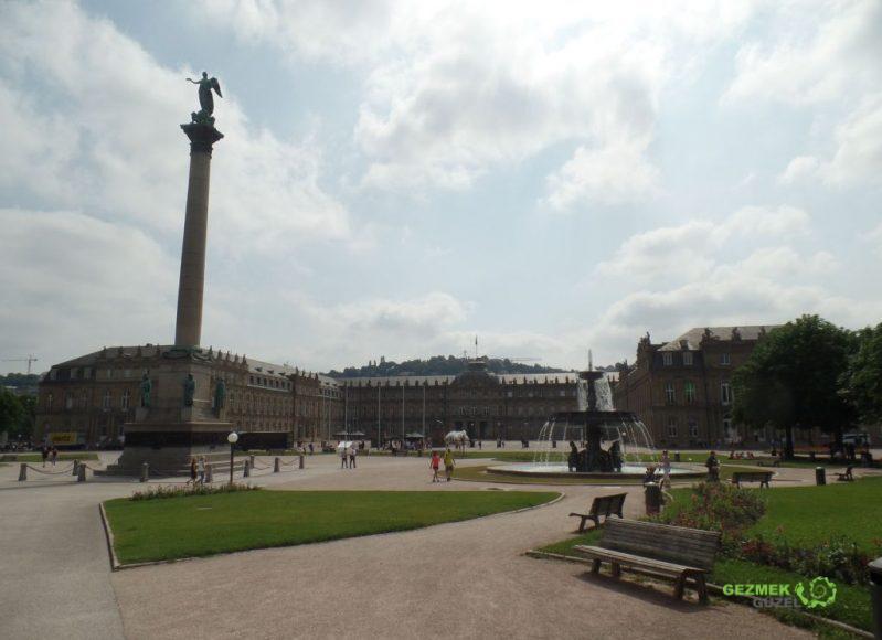 Schlossplatz Meydanı, Stuttgart Gezilecek Yerler