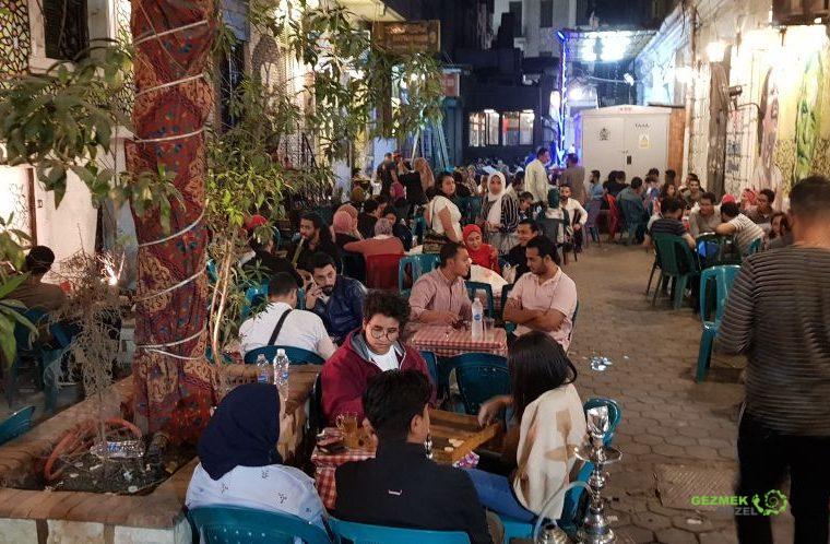 Kahire Gezi Rehberi - Kahire Gece Hayatı, Kahire Nargilecileri