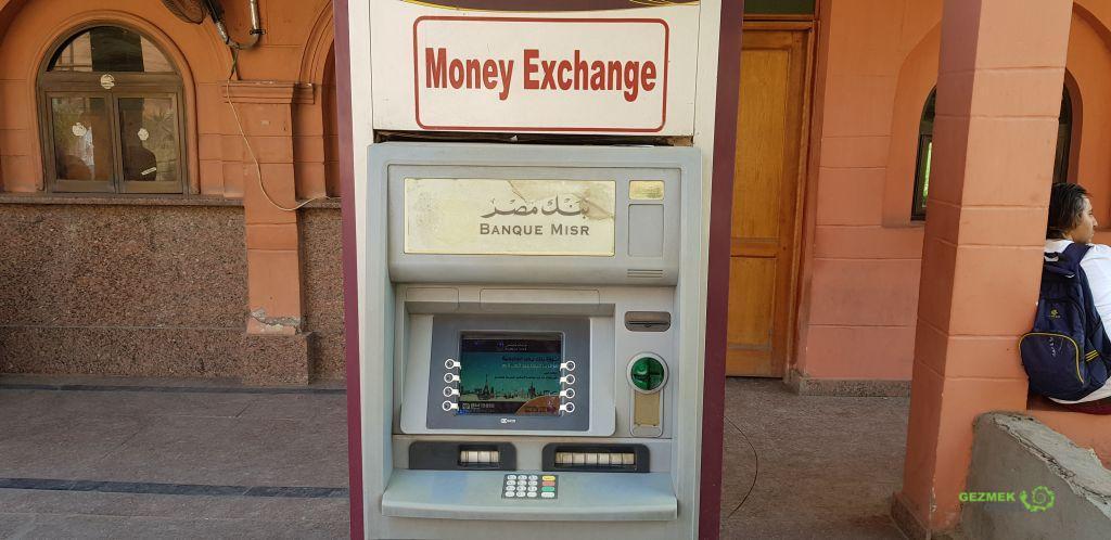 Kahire Gezi Rehberi, Kahire Para Çevirici ATM cihazı