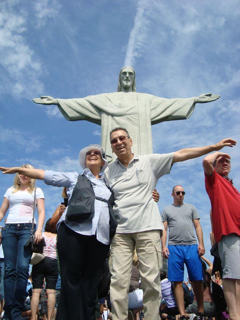 Corcovado'nun önünde