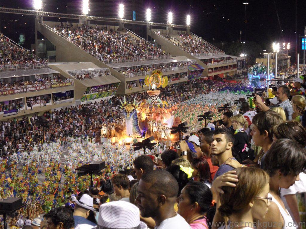 Access Group Geçit Töreni, Sambadrome, Rio Karnavalı, Brezilya Gezisi Notları