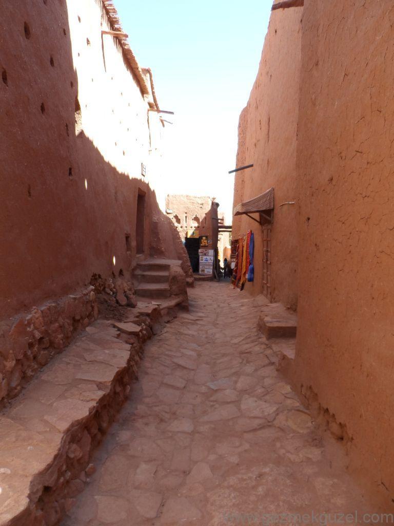 Ait Ben Haddou sokaklarında