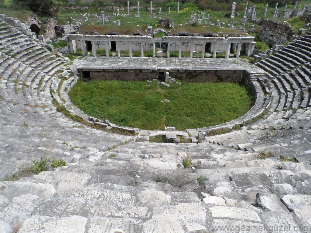 Anfi Tiyatro, Afrodisyas Antik Kenti