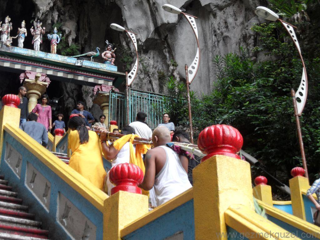 Batu Mağarası Merdivenleri, Kuala Lumpur Gezilecek Yerlerr