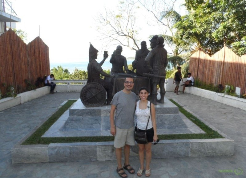 Blood Compact Shrine; Bohol Adası Turu