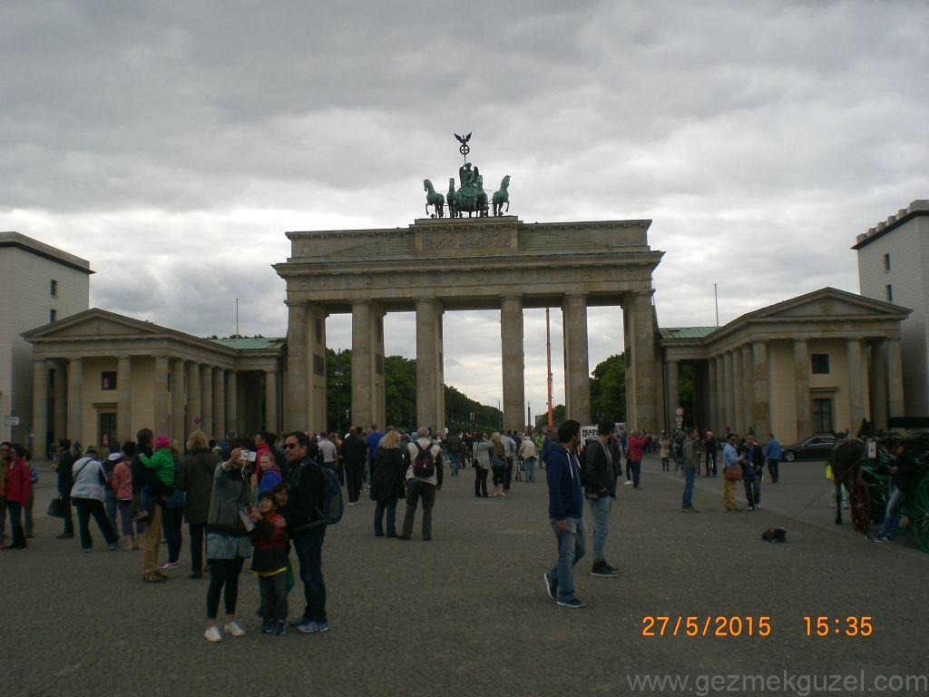 Brandenburg Kapısı, Berlin Turu, Baltık Başkentleri Gezisi