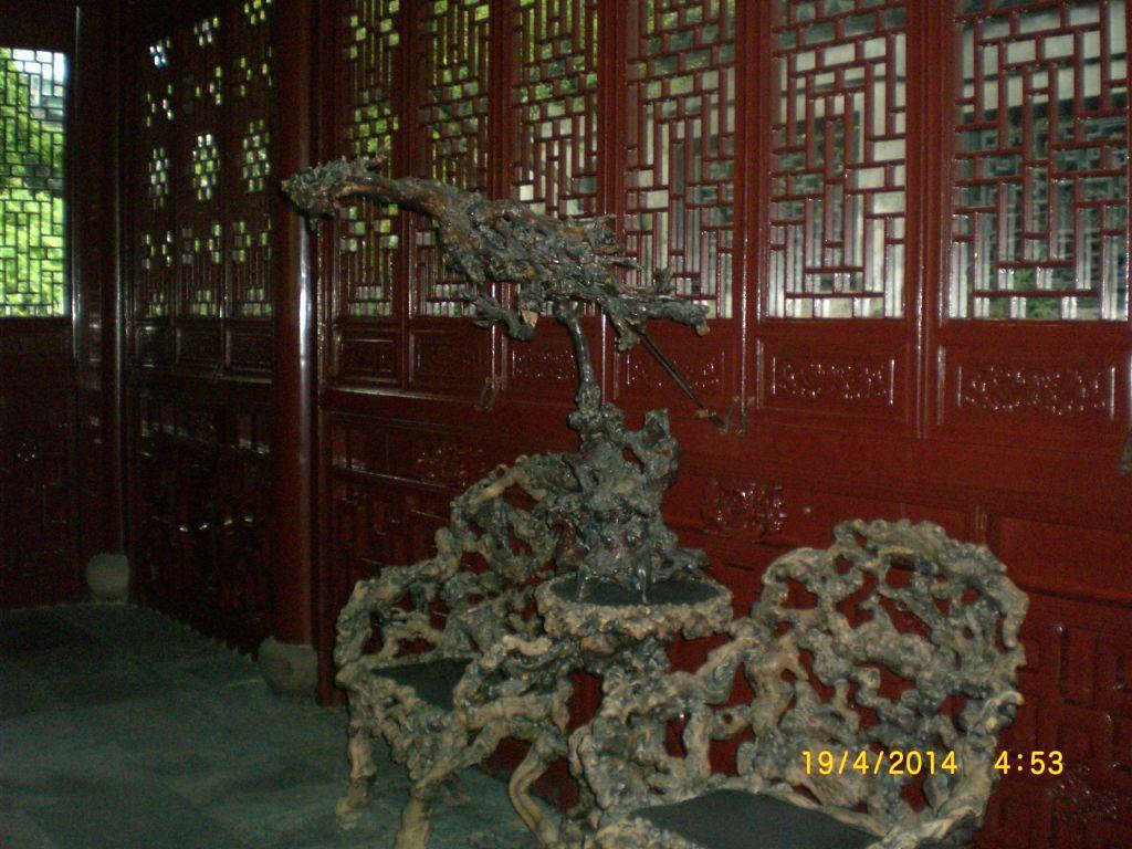 Ağaç kökünden mobilyalar