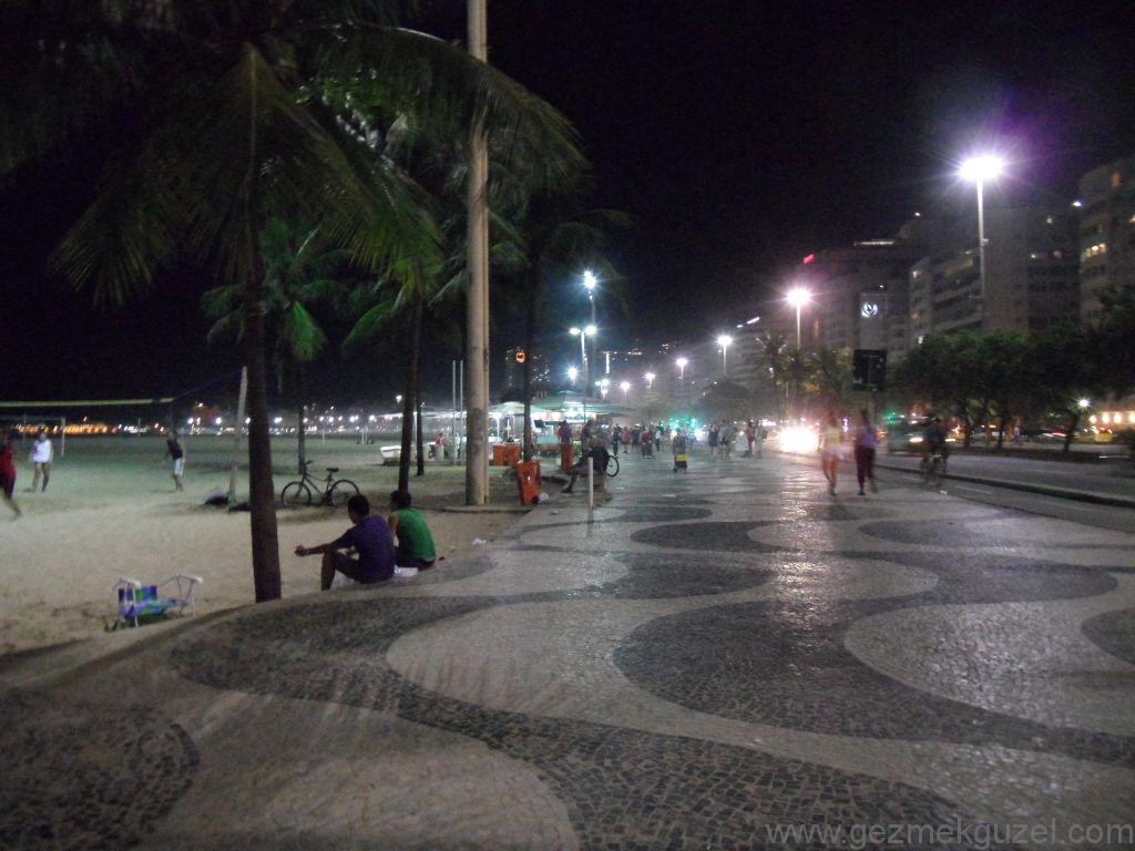 Copacabana Plajında Akşam, Rio Gezisi, Brezilya Gezisi Notları