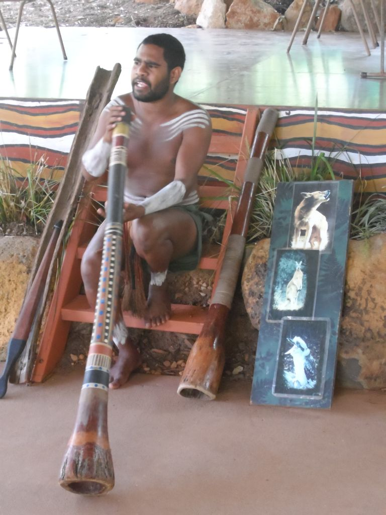 Didgeridoo Çalan Aborjin