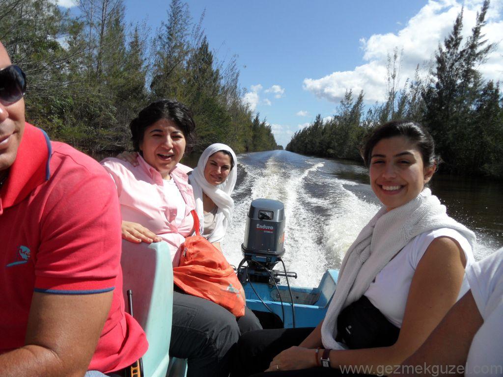 Domuzlar Körfezi Turu, Guamo'da Sürat Motoru
