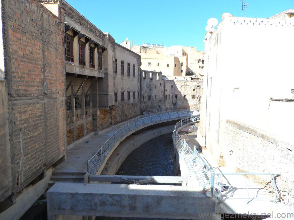 Fas Gezisi Notları, Fes Gezilecek Yerler, Fes Nehri