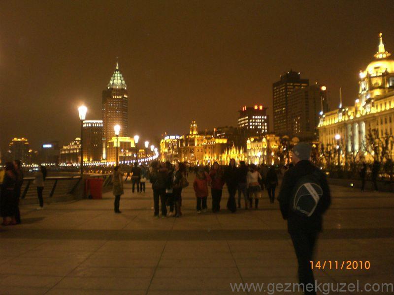 Huangpu nehri Şangay gezilecek yerler
