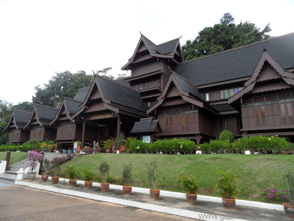 Istana Kesultana Melayu, Malezya Görülecek Yerler