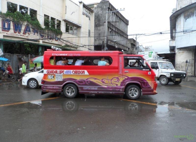 Jeepney, Filipinler'de Ulaşım