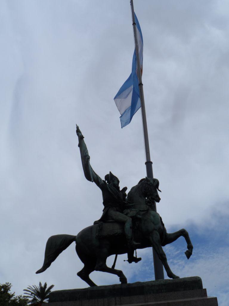 Jose de San Martin'in heykeli