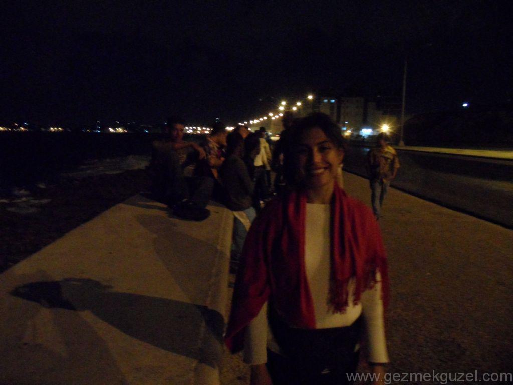 Küba Gezisi Notları, Havana Gezilecek Yerler, Havana Sahilinde Gece