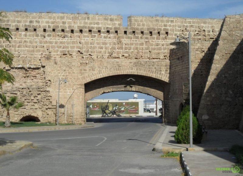 Kıbrıs Gezisi, Gazimağusa Surları