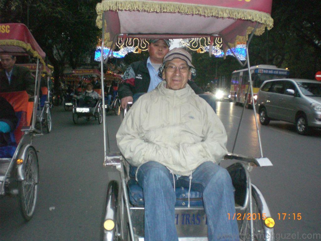 Laos - Kamboçya - Vietnam Gezisi Notları, Hanoi Gezilecek Yerler; Eski kentte tuktuk turu