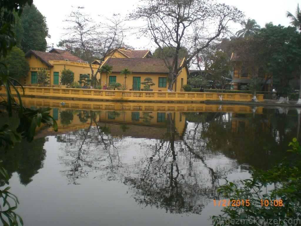 Laos - Kamboçya - Vietnam Gezisi Notları, Hanoi Gezilecek Yerler; Ho Chi Minh evleri