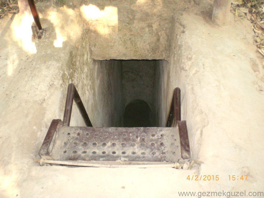 Laos - Kamboçya - Vietnam Gezisi Notları, Ho Chi Minh Gezilecek Yerler, Cu Chi Tünelleri, Tünel Girişi