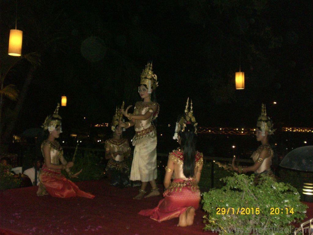 Laos - Kamboçya - Vietnam Gezisi Notları, Kamboçya Gezilecek Yerler, Dans Gösterisi