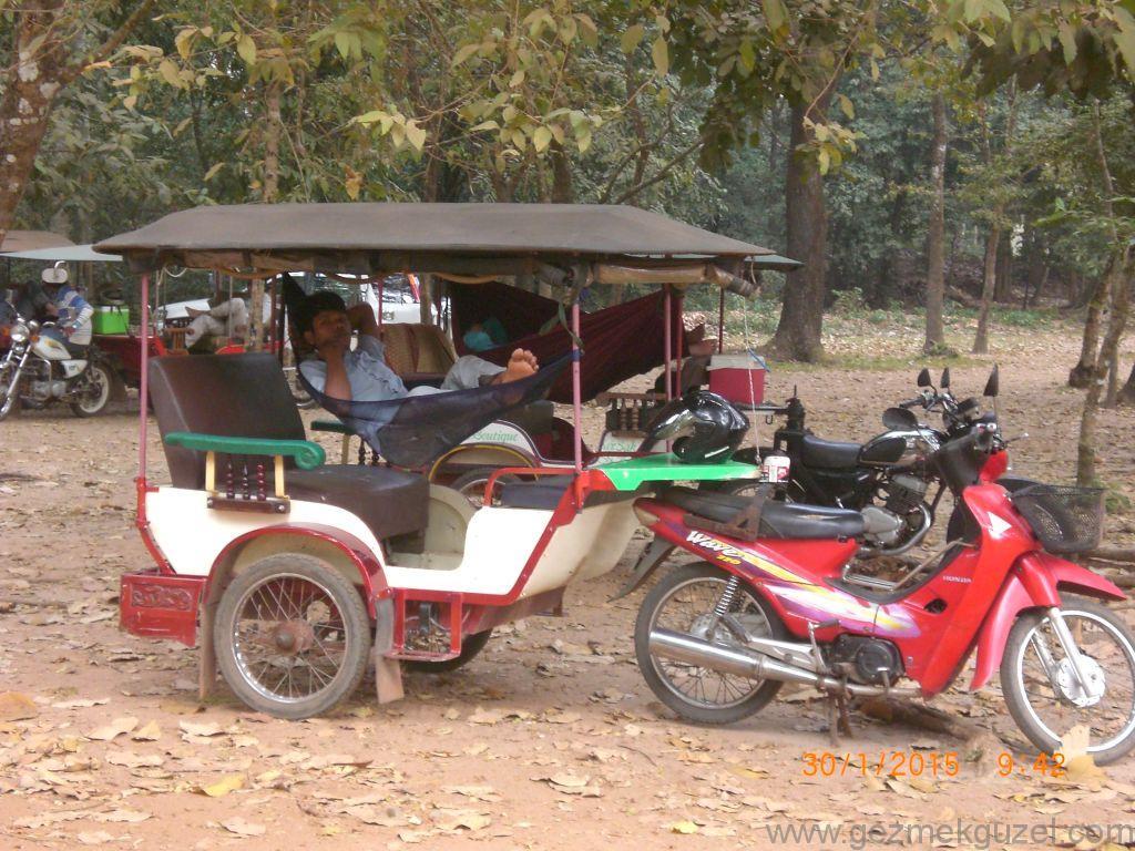 Laos - Kamboçya - Vietnam Gezisi Notları, Kamboçya Gezilecek Yerler, Tuk Tuk