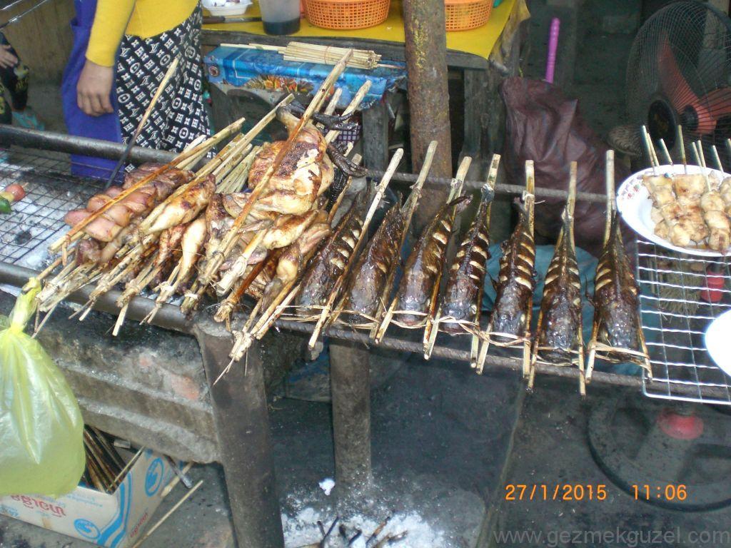 Laos - Kamboçya - Vietnam Gezisi Notları, Laos Gezilecek Yerler, Balıklar Pişerken
