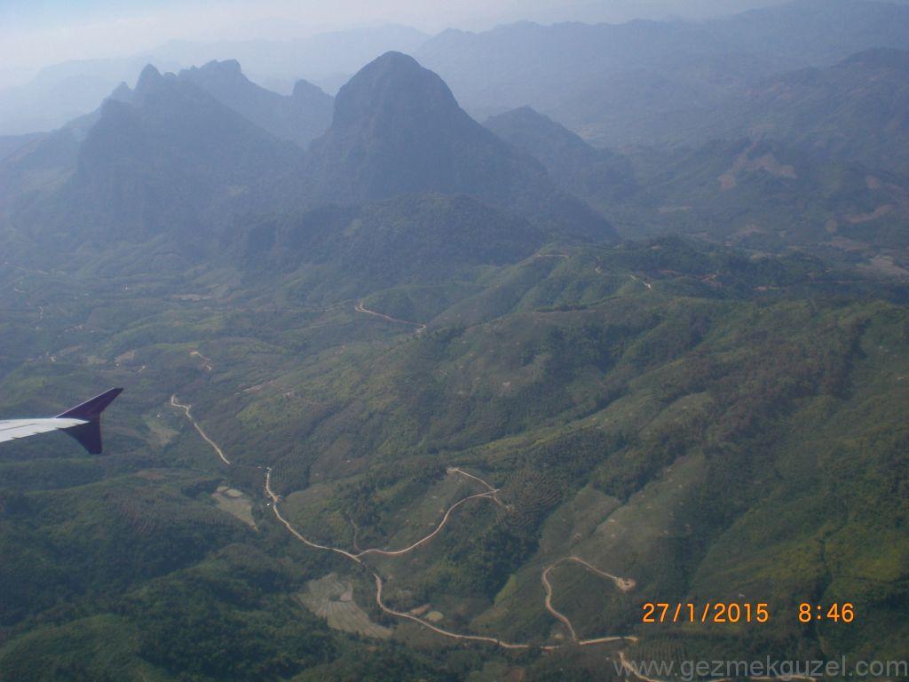 Laos - Kamboçya - Vietnam Gezisi Notları, Laos Gezilecek Yerler, Uçaktan Laos