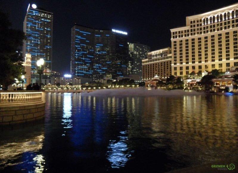 Las Vegas'ın bedava eğlenceleri Belaggio Havuzları