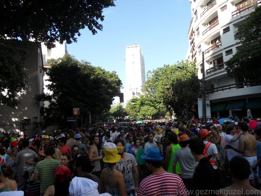 Leblo'da Sokak Partisi, Rio Karnavalı, Brezilya Gezisi Notları