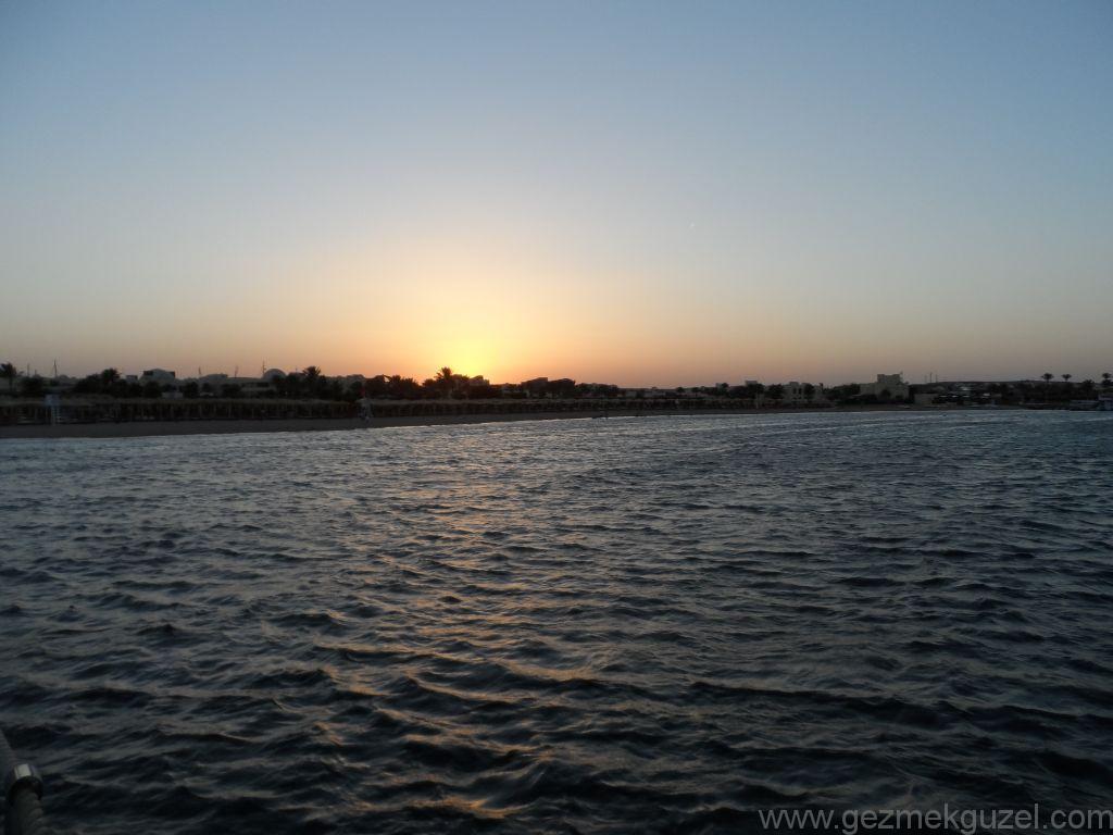 Makadi Bay Günbatımı, Hurghada'da Tatil