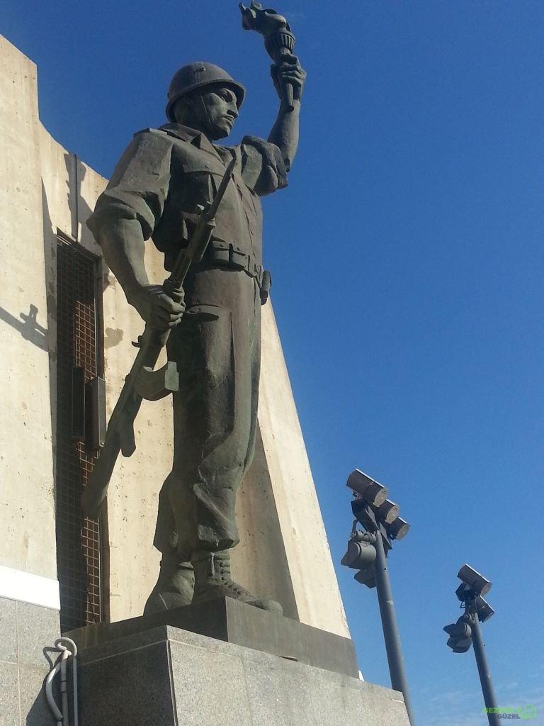 Makam'ı Şehid Anıtı - Cezatyir Rehberi