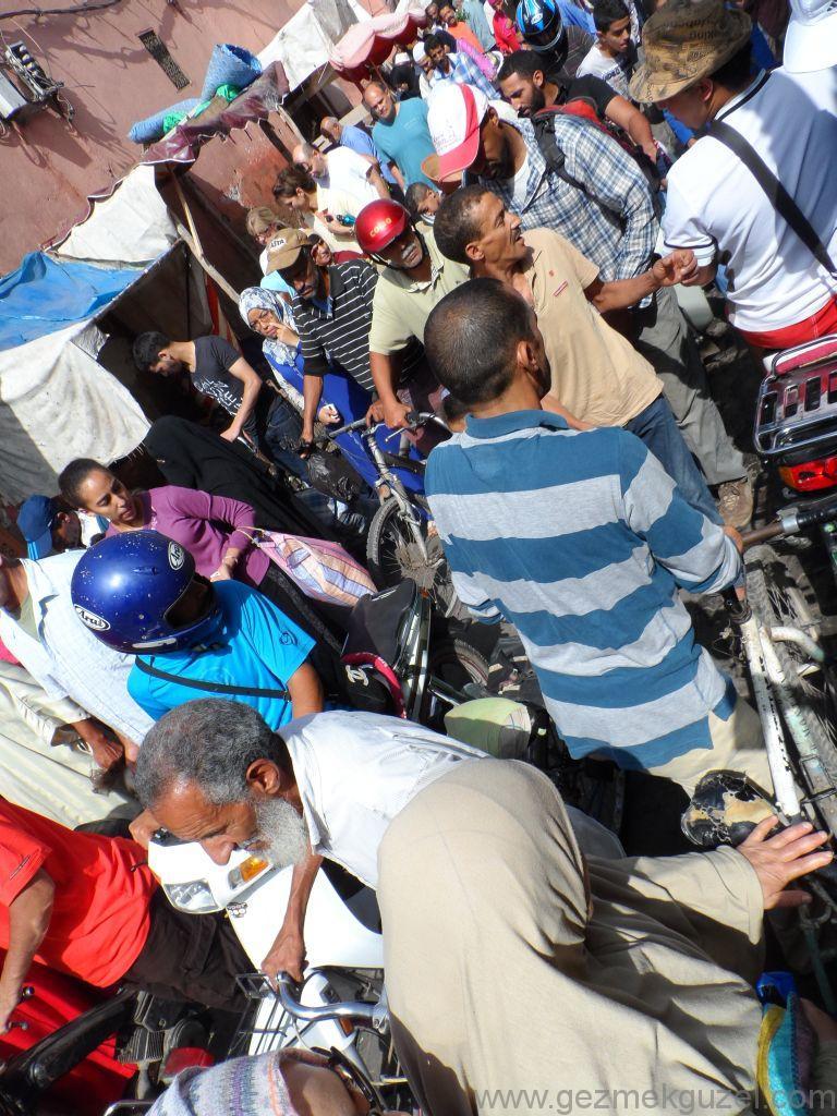 Marakeş Medina sokaklarında