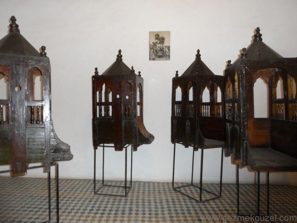 Marakeş'te tarihi dönme dolap kabinleri