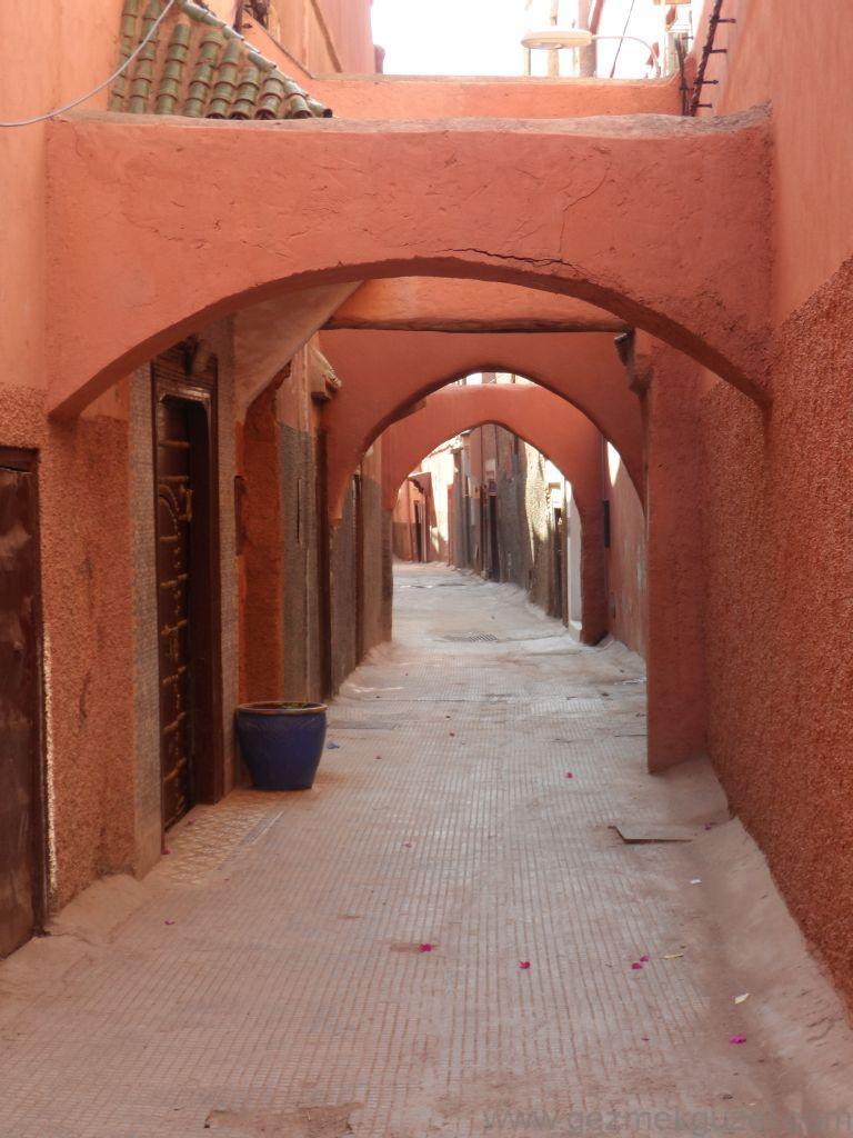Marrakech sokaklarından