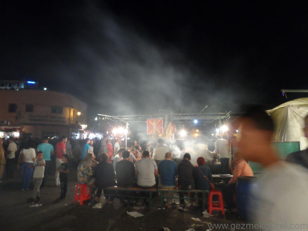 Marrakesh Gece Hayatı Jemaa el Fna Kıyamet Meydanı Fa