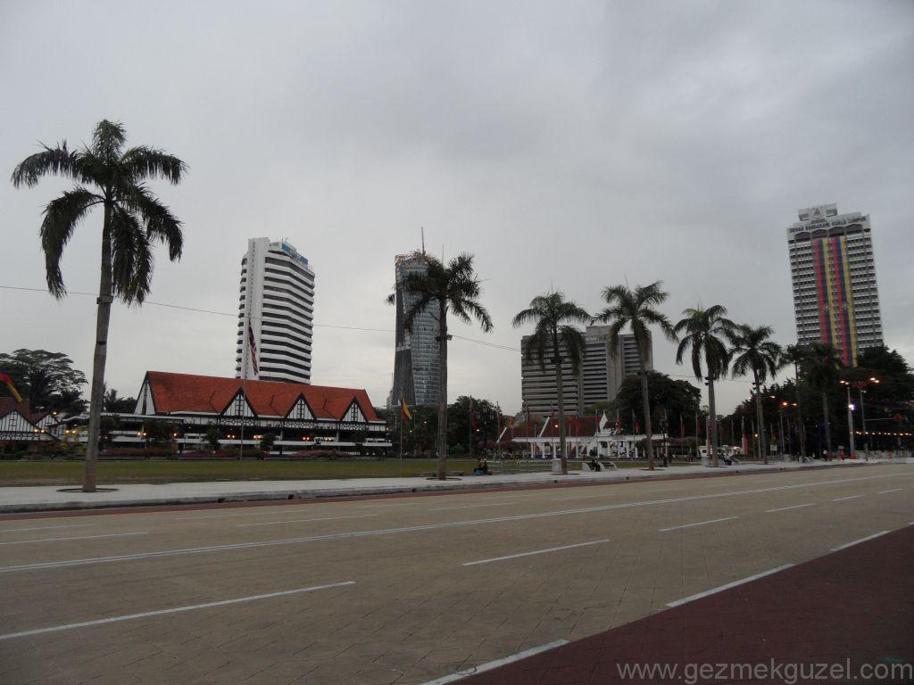 Merdeka (Bağımsızlık) meydanı, Kualal Lumpur Görülecek Yerler