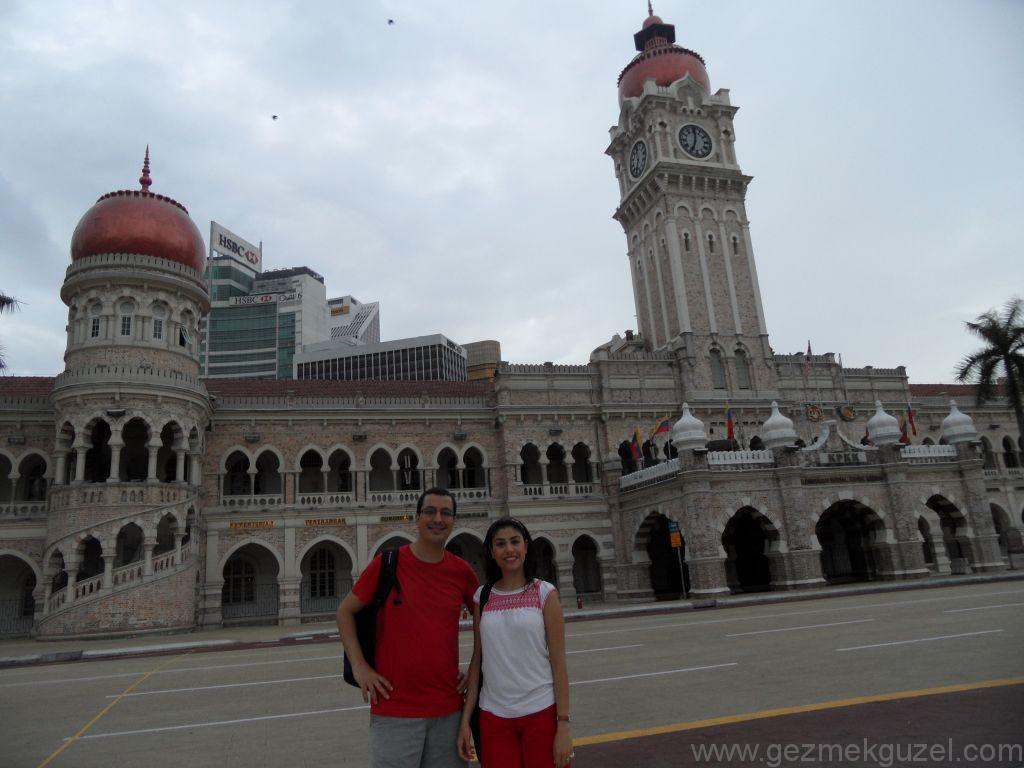 Merdeka meydanı, Kualal Lumpur Gezilecek Yerler