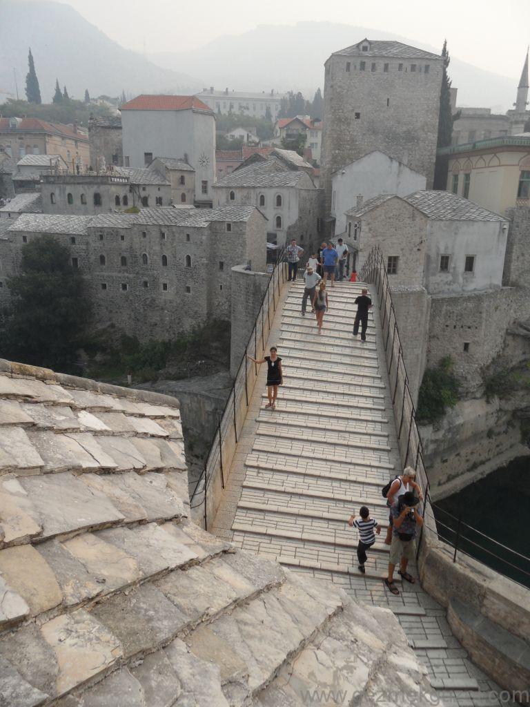 Mostar Köprüsünde, Mostar Gezisi, Eski Yugoslavya Yollarında